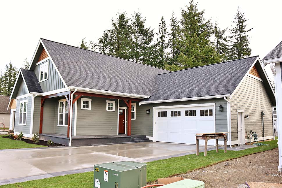 Country, Craftsman House Plan 40915 with 3 Beds, 3 Baths, 2 Car Garage Picture 4