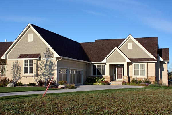 Traditional House Plan 42594 with 5 Beds, 5 Baths, 3 Car Garage Picture 1
