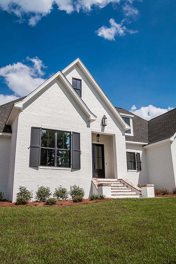 European, French Country Plan with 2404 Sq. Ft., 4 Bedrooms, 3 Bathrooms, 2 Car Garage Picture 3