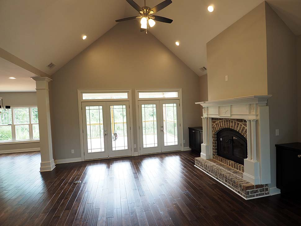 Craftsman, Traditional House Plan 60086 with 3 Beds, 4 Baths, 2 Car Garage Picture 9