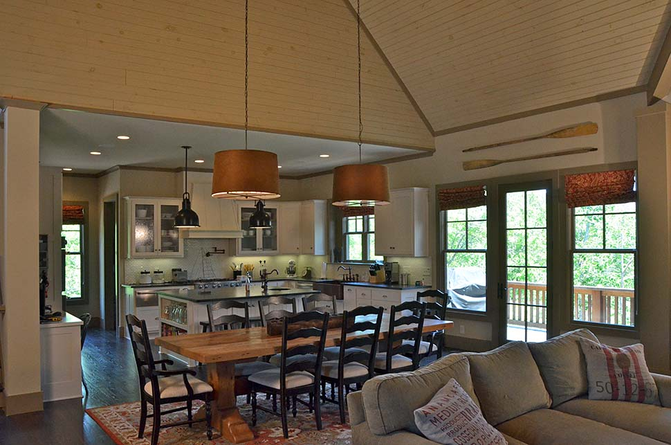 Cottage, Craftsman Plan with 3005 Sq. Ft., 5 Bedrooms, 6 Bathrooms, 1 Car Garage Picture 8