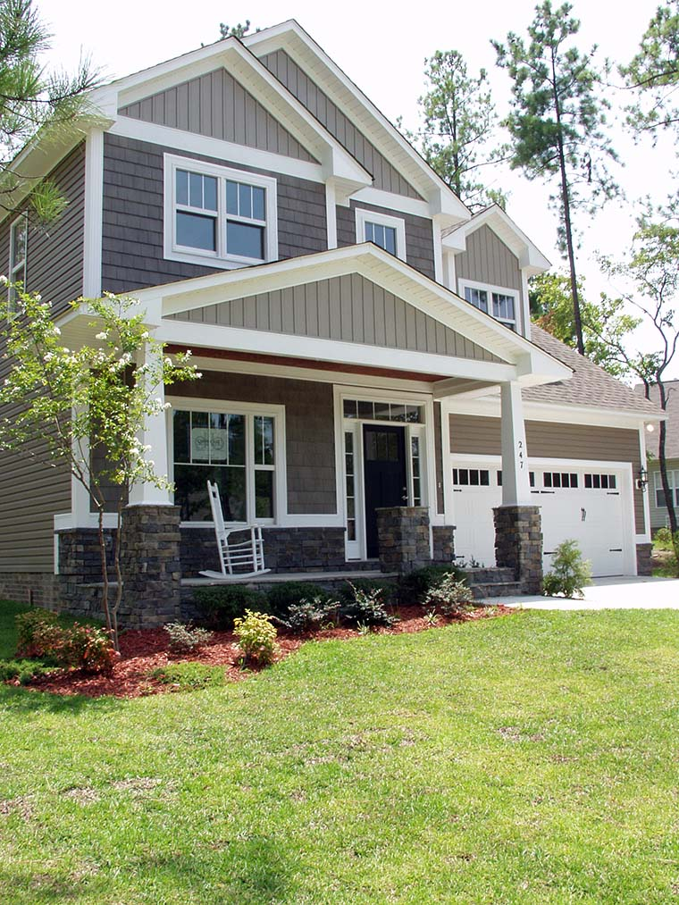 Craftsman, Traditional House Plan 81216 with 3 Beds, 3 Baths, 3 Car Garage Picture 5