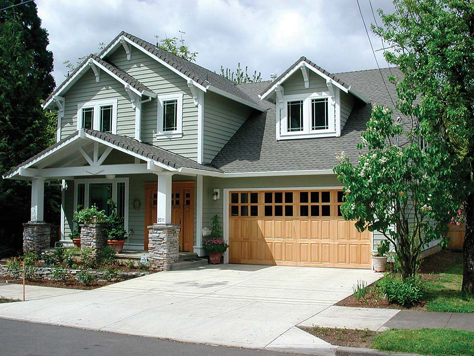 Craftsman, Traditional House Plan 81216 with 3 Beds, 3 Baths, 3 Car Garage Picture 8