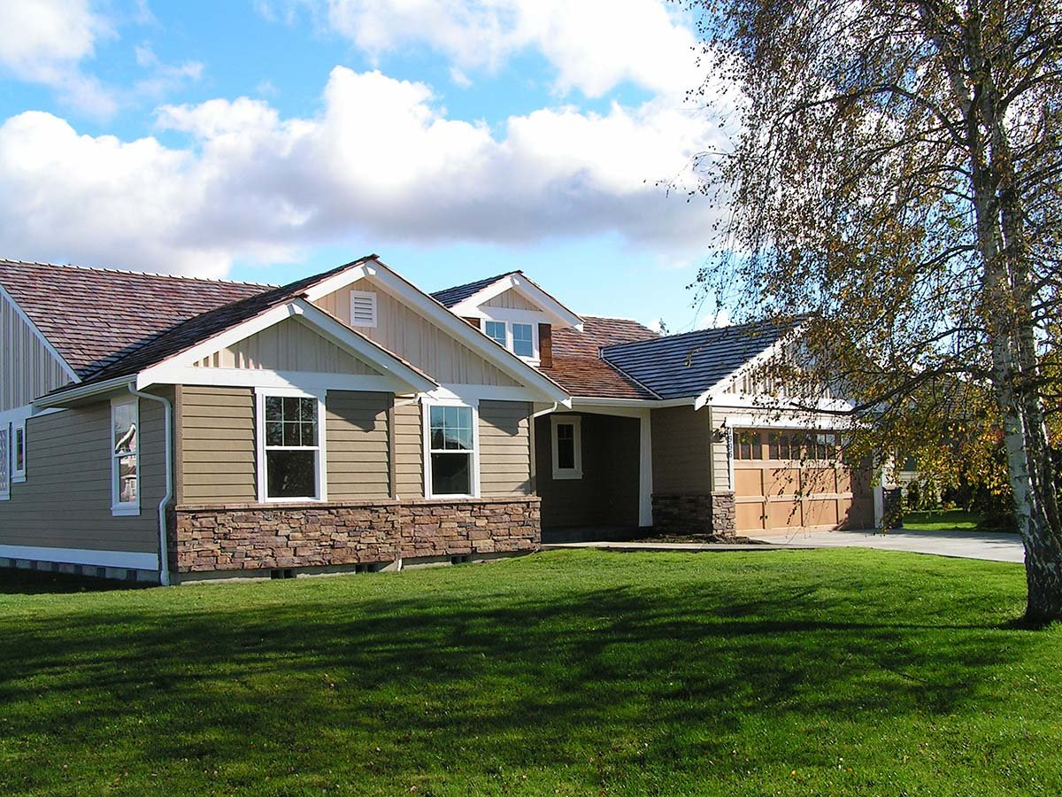 Craftsman House Plan 81237 with 2 Beds, 2 Baths, 3 Car Garage Picture 2