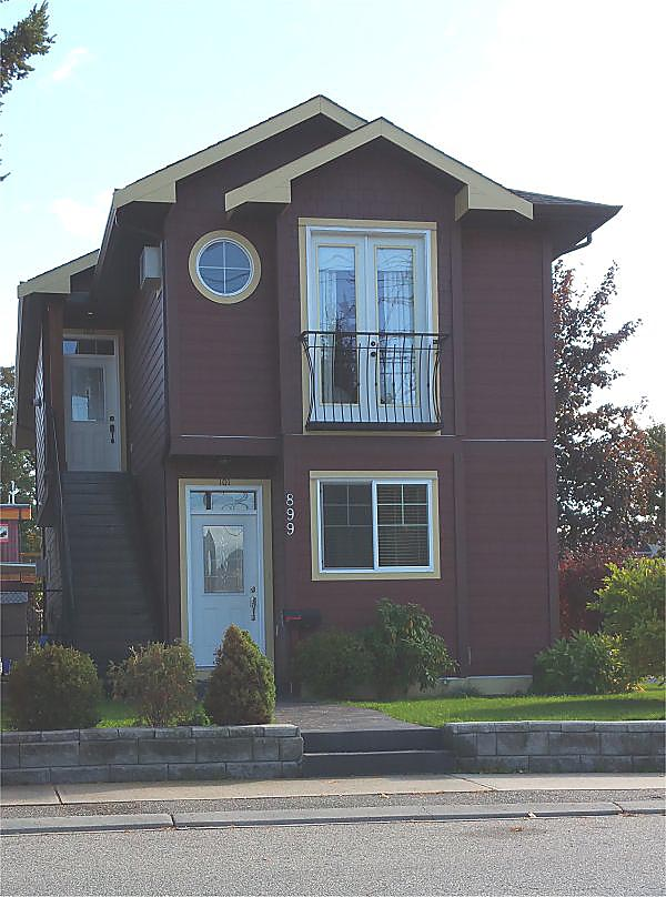 Traditional Multi-Family Plan 96230 with 5 Beds, 4 Baths Picture 3