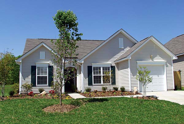 Traditional House Plan 96918 with 3 Beds, 2 Baths, 1 Car Garage Elevation