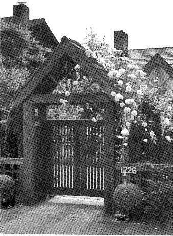 504890 - Cedar Entry Gate
